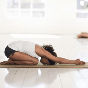 Yin yoga yoga mudra of kindhouding